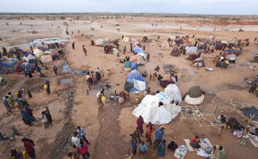 Betoog: Vluchtelingenproblematiek: Je bent beschaafd of racistisch